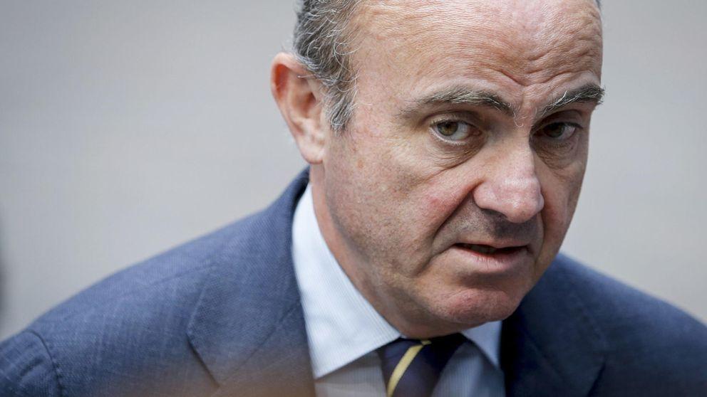 """Guindos abre la mano a Grecia y no ve una """"hipótesis razonable"""" su salida del euro"""