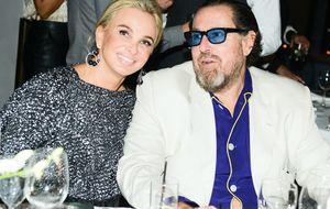 Corinna reaparece en Miami rodeada de estrellas del arte y del espectáculo