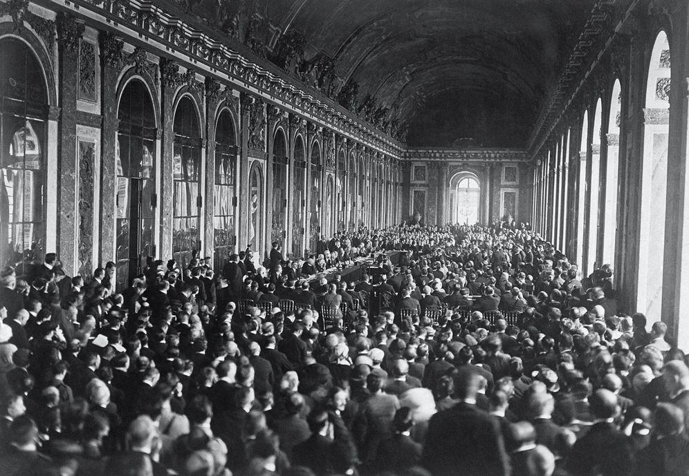 Foto: Firma de paz en el Salón de los Espejos del Palacio de Versalles