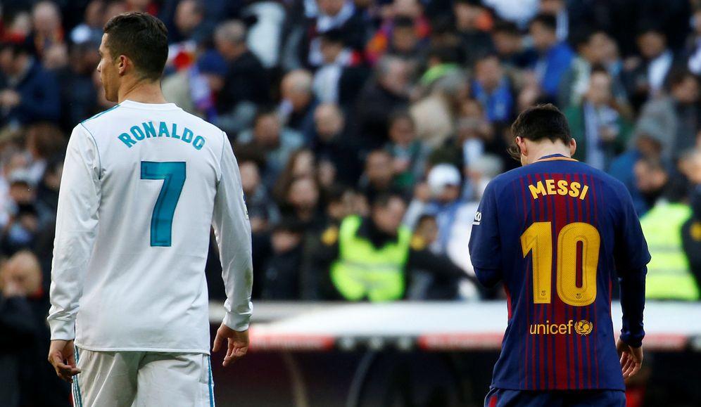 Foto: Messi y Cristiano, en el último Clásico de Liga. (Reuters)
