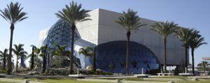 El nuevo Museo Dalí de Florida acoge la colección más importante del artista catalán fuera de España