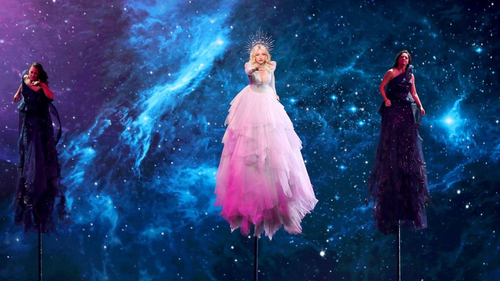 Foto: Australia actúa durante la semifinal de Eurovisión. (Efe).