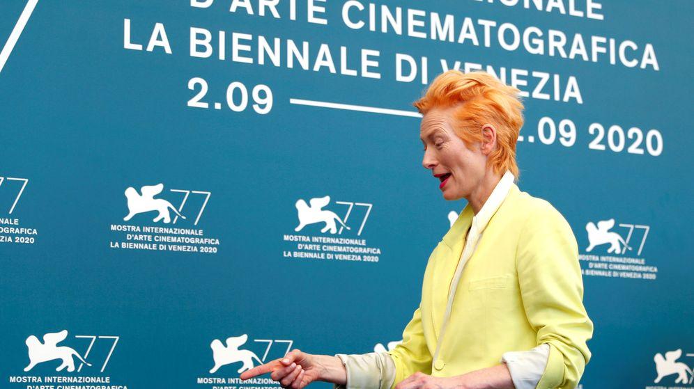 Foto: Tilda Swinton, a su llegada al Festival de Venecia (Reuters/Yara Nardi)