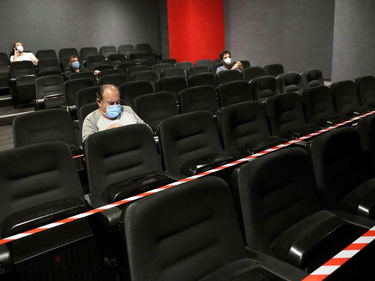 Foto: Vista de una de las salas del Cine Artistic Metropol de madrid. (EFE)