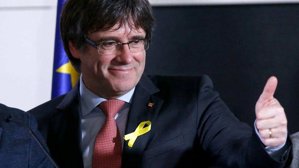 Foto: Carles Puigdemont, tras conocer los resultados de las elecciones. (Reuters)