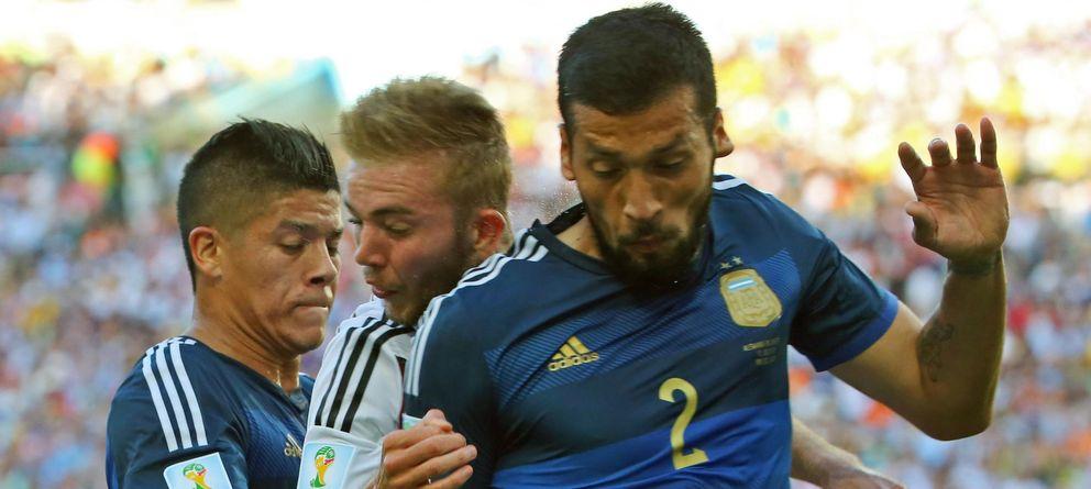 La FIFA y los golpes en la cabeza: críticas por sus inexistentes protocolos