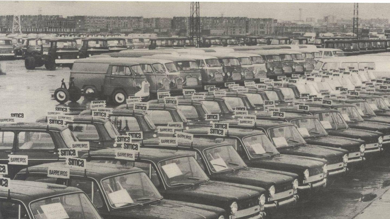Vehículos Barreiros dispuestos para ser retirados por sus compradores. (Fundación Eduardo Barreiros)