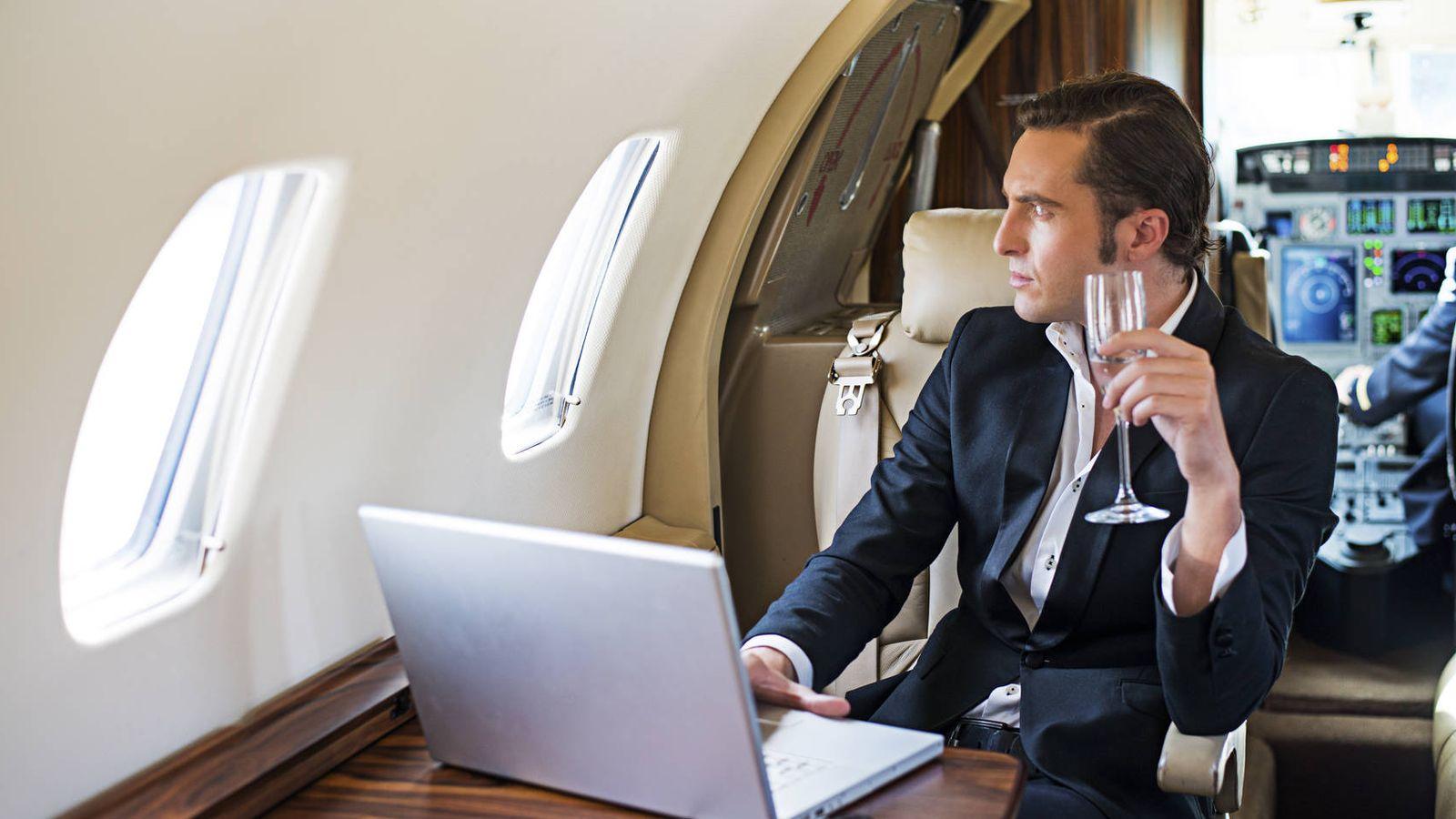 Imágenes Personas Viajando En Avion: Viajar En Avión: Los Hombres Que Viajan En Primera Y