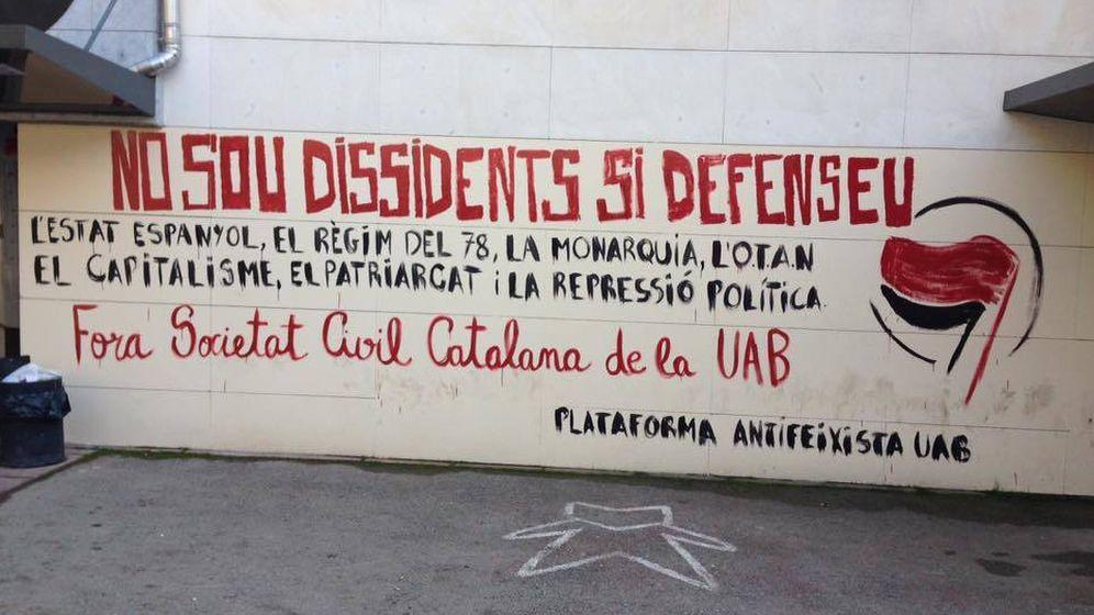 Foto: Pintada en la Universidad de Barcelona. (EC)