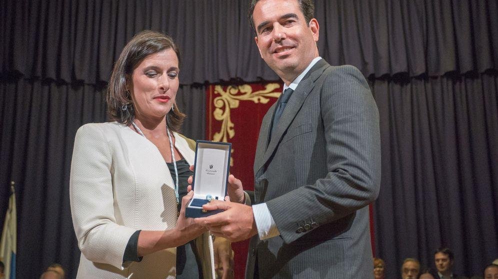 Foto: Javier Botín, junto a la alcaldesa de Santander, Gema Igual. (EFE)
