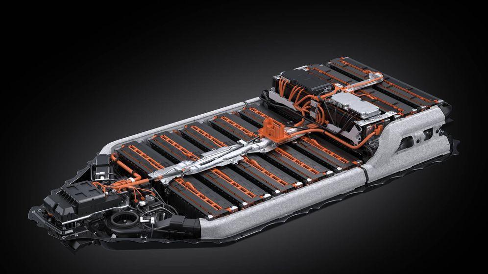 Foto: El alma de los coches eléctricos es su pack de baterías, que puede llegar a pesar 750 kg.