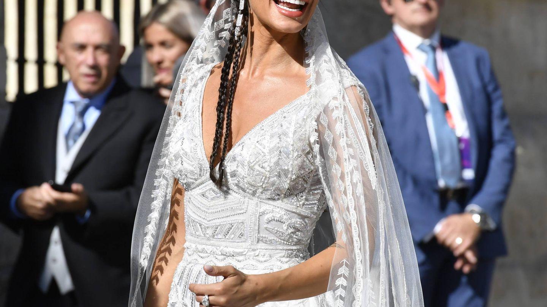 Pilar Rubio a su llegada a la catedral de Sevilla. (Cordon Press)