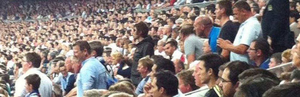 Foto: Liam Gallagher, de Oasis, expulsado del Bernabéu por besar a una agente de seguridad