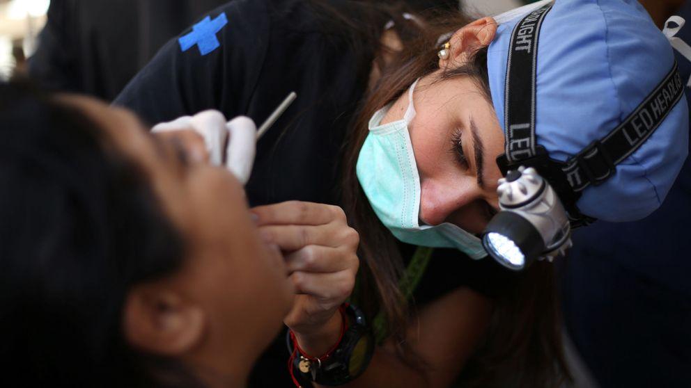 Chasco sanitario: dentistas, podólogos o fisios, entre los graduados que menos ganan