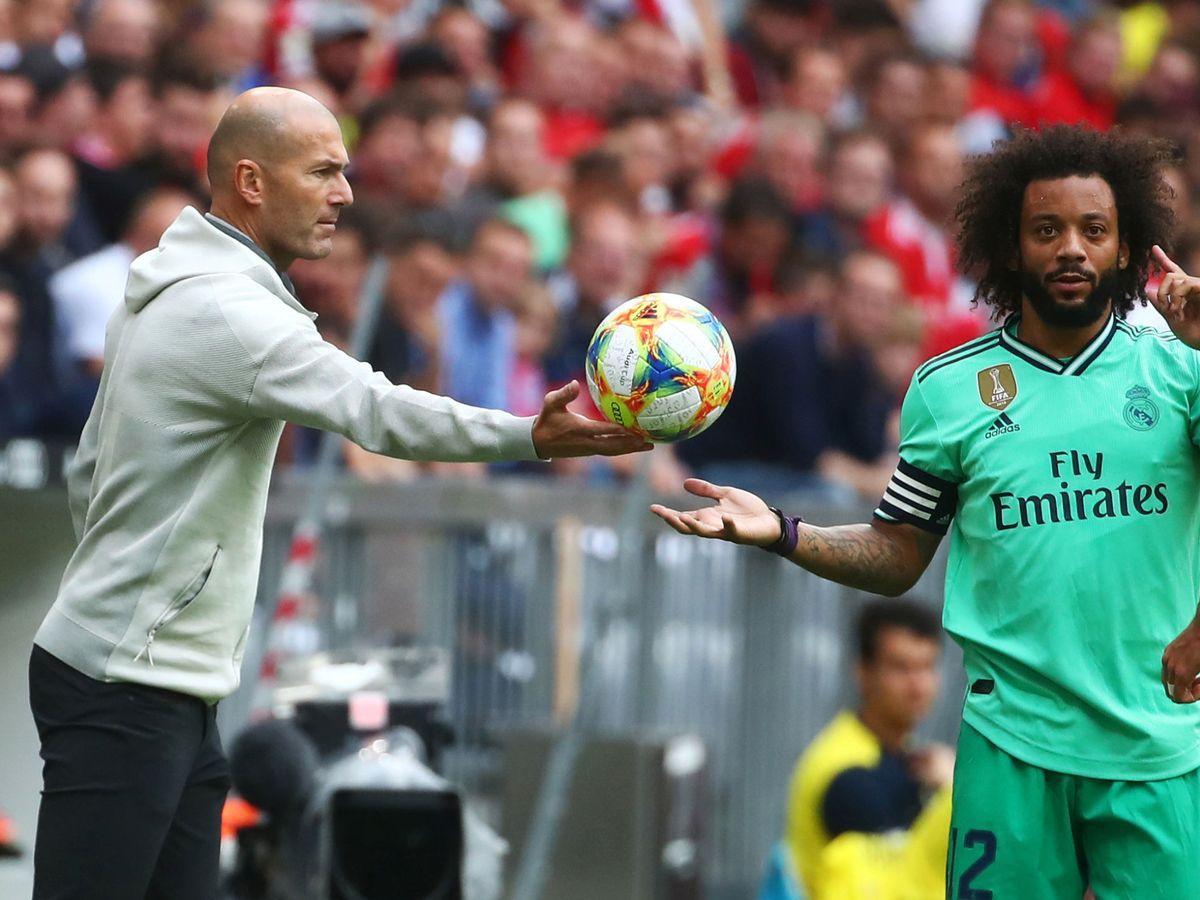 Foto: Zidane junto a Marcelo en un partido del Real Madrid. (Efe)