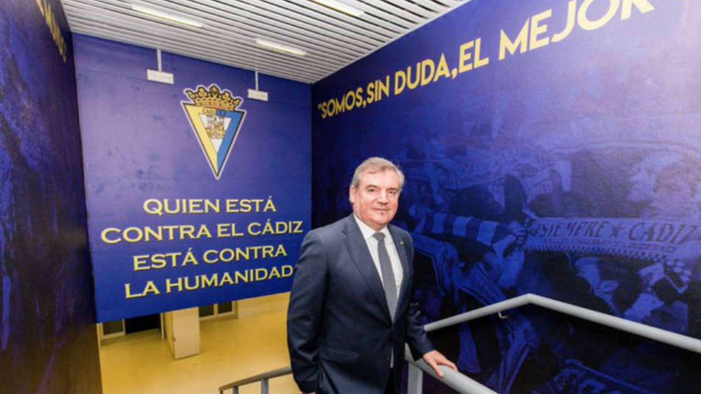 Manuel Vizcaíno, presidente del Cádiz, en el estadio Carranza