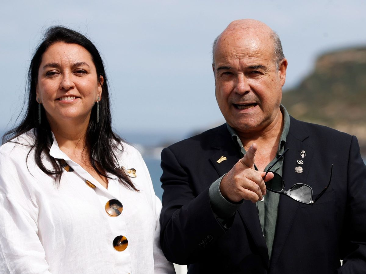Foto: Resines y su esposa, en el pasado Festival de San Sebastián de 2019. (EFE)