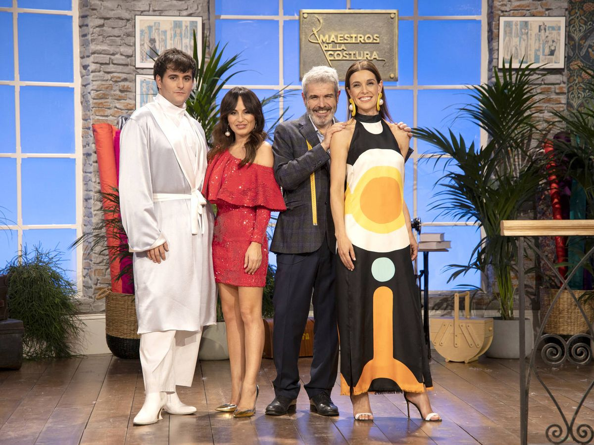 Foto: Palomo Spain, María Escoté y Lorenzo Caprile, junto a Raquel Sánchez Silva. (TVE)