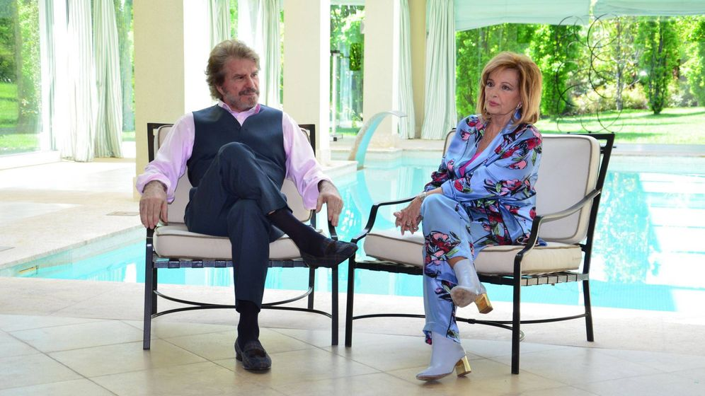 Foto: Edmundo Arrocet y Campos, en una de las propiedades de la periodista. (Cordon Press)