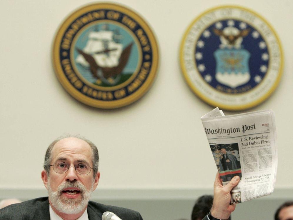 Foto: Frank Gaffney testifica ante el Comité de Servicios Armados, en Washington, en marzo de 2006 (Reuters).