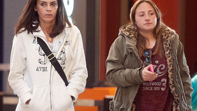 Foto: Rocío Flores y Olga Moreno en un centro comercial de Málaga (Gtres)