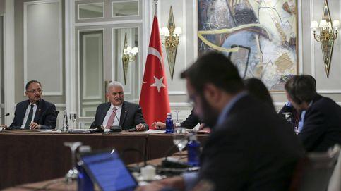 """""""EEUU ayuda a terroristas"""" y otras claves de la crisis entre Occidente y Turquía"""