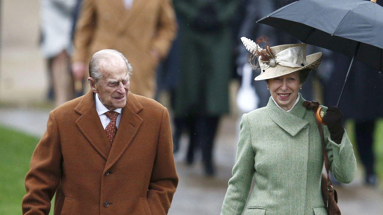 El duque de Edimburgo y la princesa Ana. (Reuters)