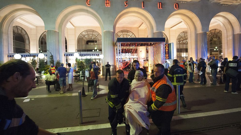 Foto: Decenas de muertos al arremeter un camión contra una multitud en Niza. (EFE)