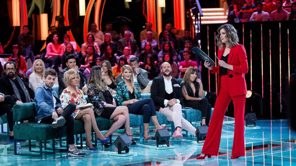 Foto: La presentadora Sandra Barneda, en el estreno de 'Supervivientes: el debate'. (Mediaset)