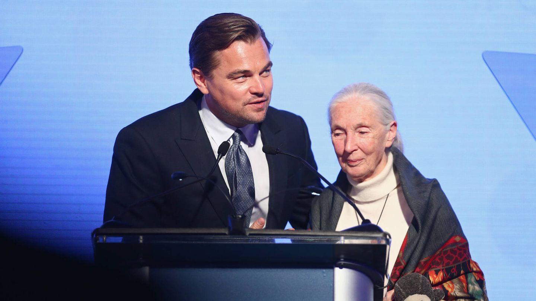 Leonardo DiCaprio y la primatóloga Jane Goodall, en un acto de la fundación del actor. (Getty)