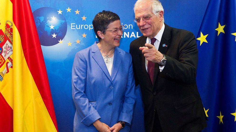 González Laya pide juego limpio a las 'embajadas' catalanas
