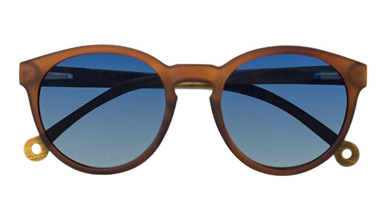 Foto: Una de las diferentes gafas recicladas de Parafina.
