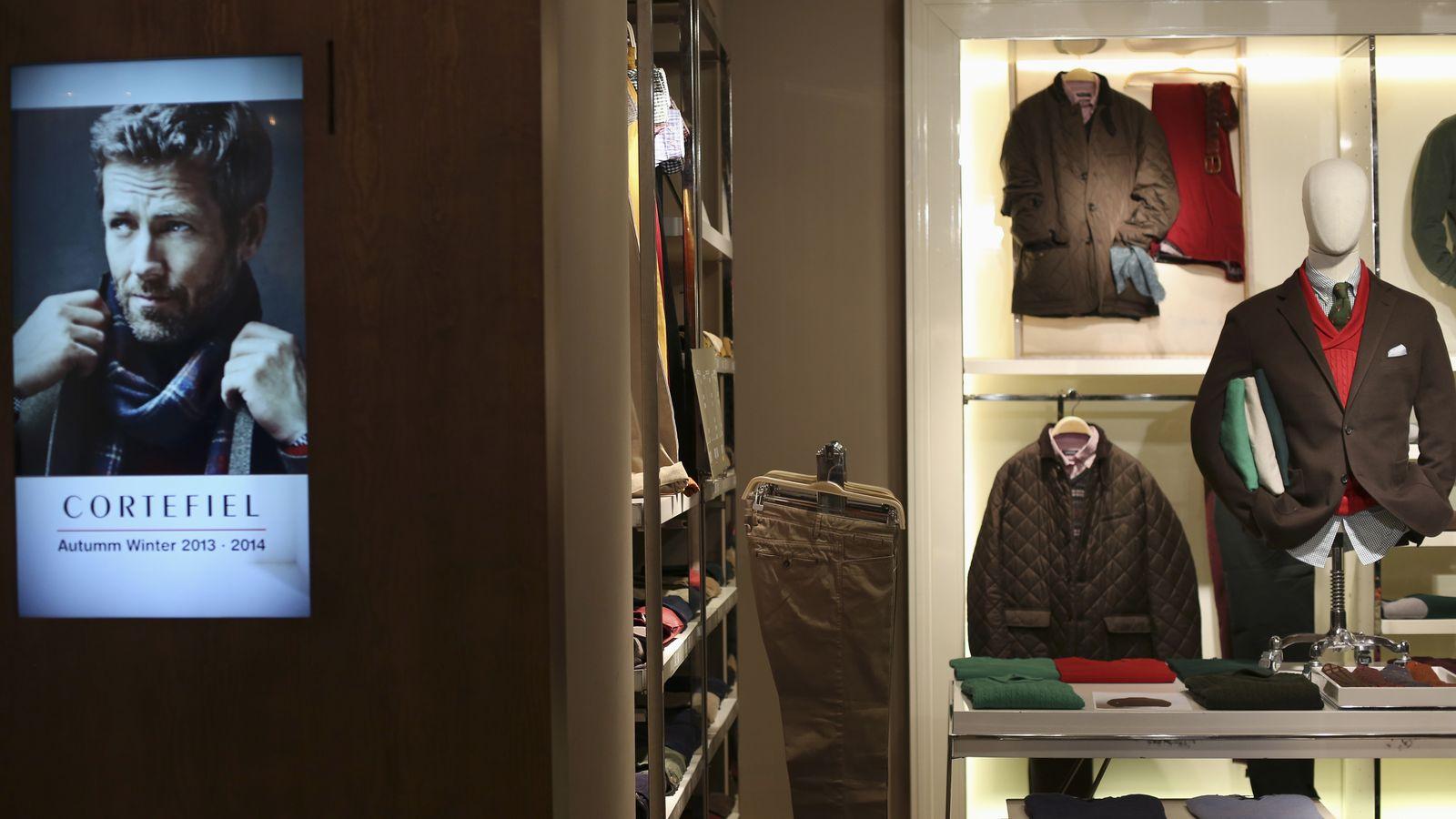 Foto: Una tienda de Cortefiel en Madrid. (Reuters)