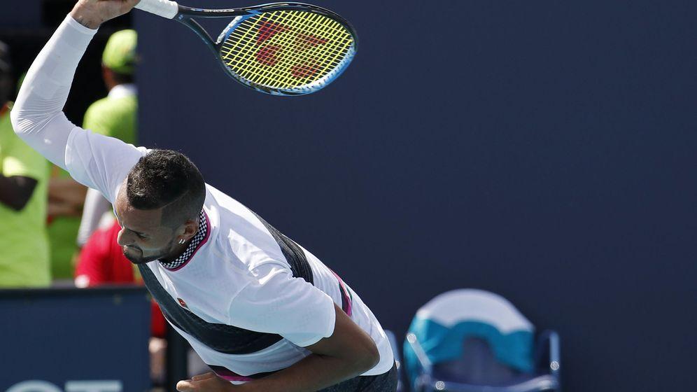 Foto: Nick Kyrgios, tirando su raqueta en el pasado Open de Miami. (Reuters)