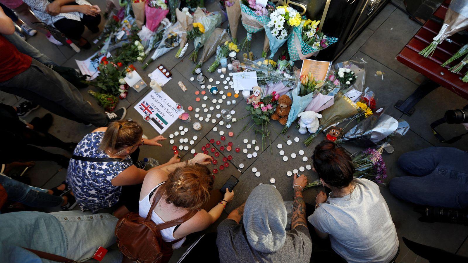 Foto: Vigilia por las víctimas del atentado en el Manchester Arena. (Reuters)