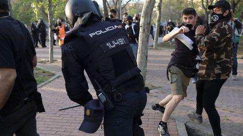 Abascal responsabiliza a Marlaska de las cargas, Podemos acusa a Vox y Ayuso los defiende