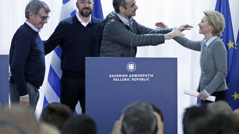 El primer ministro heleno durante la visita este martes de los líderes de la UE a la frontera turca. (Reuters)