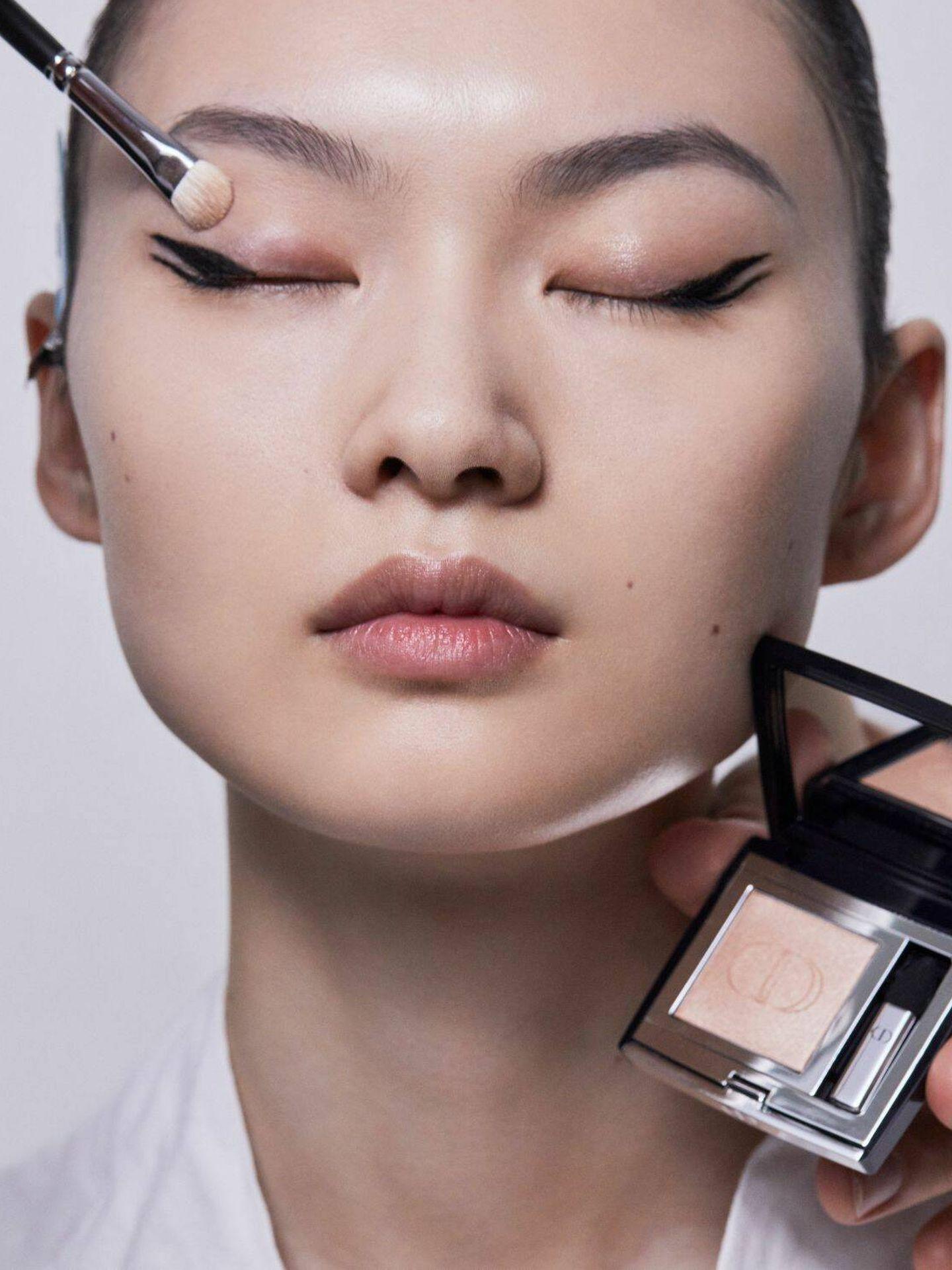 Detalle del maquillaje del desfile de Dior SS22. (Cortesía)