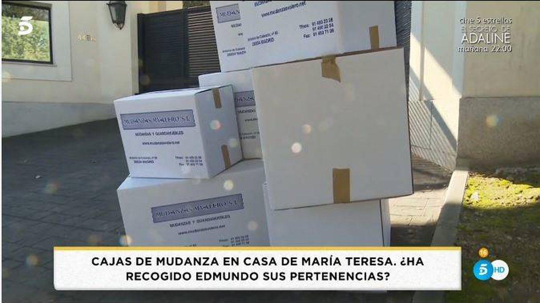 Imagen de las cajas en el domicilio de María Teresa. (Mediaset)