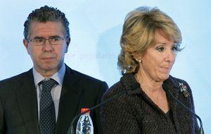 Aguirre niega su 'dedo divino' en la caída de Granados, que sigue en el PP de Valdemoro