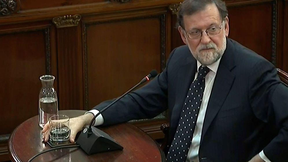 Foto: El expresidente del Gobierno, Mariano Rajoy, durante su declaración en el juicio del 'procés'. (EFE)
