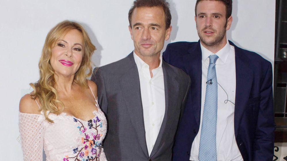Foto: Ana Obregón y Alessandro Lequio, con su hijo Álex. (Cordon Press)