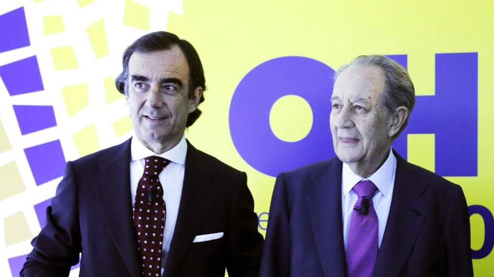 Foto: El presidente de OHL, Juan Villar Mir Fuentes, junto al fundador del grupo, Juan Miguel Villar Mir (c). (EFE),