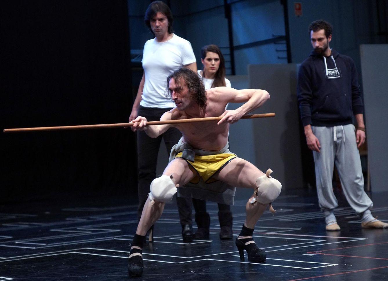 Foto: Rubén Olmo en uno de los ensayos de 'El público', de Lorca (Javier del Real)