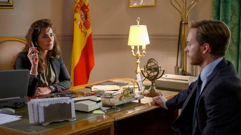 Anna Allen y Pablo Rivero, en 'Cuéntame'. (TVE)