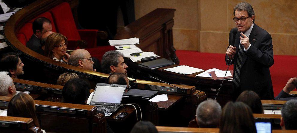 Foto: Artur Mas durante una sesión de control en el Parlament (Efe)