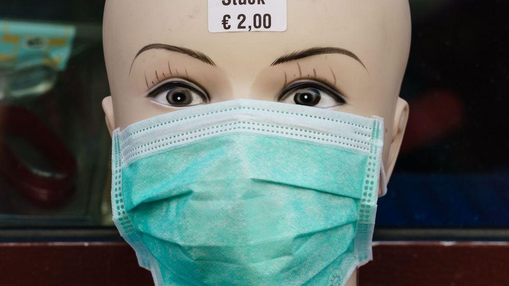 Foto: Mascarillas a dos euros en una tienda de Berlín. (EPA)