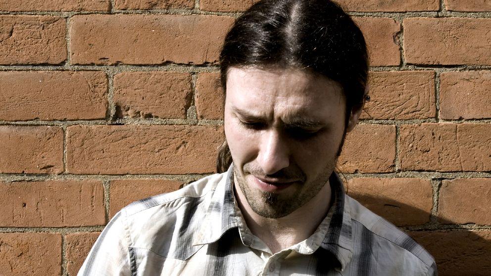 Ingresan en un psiquiátrico a un joven obsesionado con Podemos