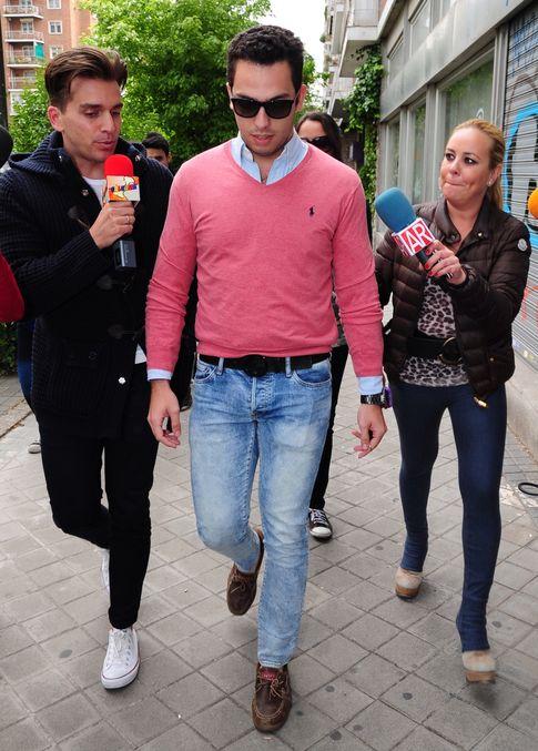 Foto: El novio de Chabelita Pantoja, Alberto Isla, por las calles de Madrid (Gtres)