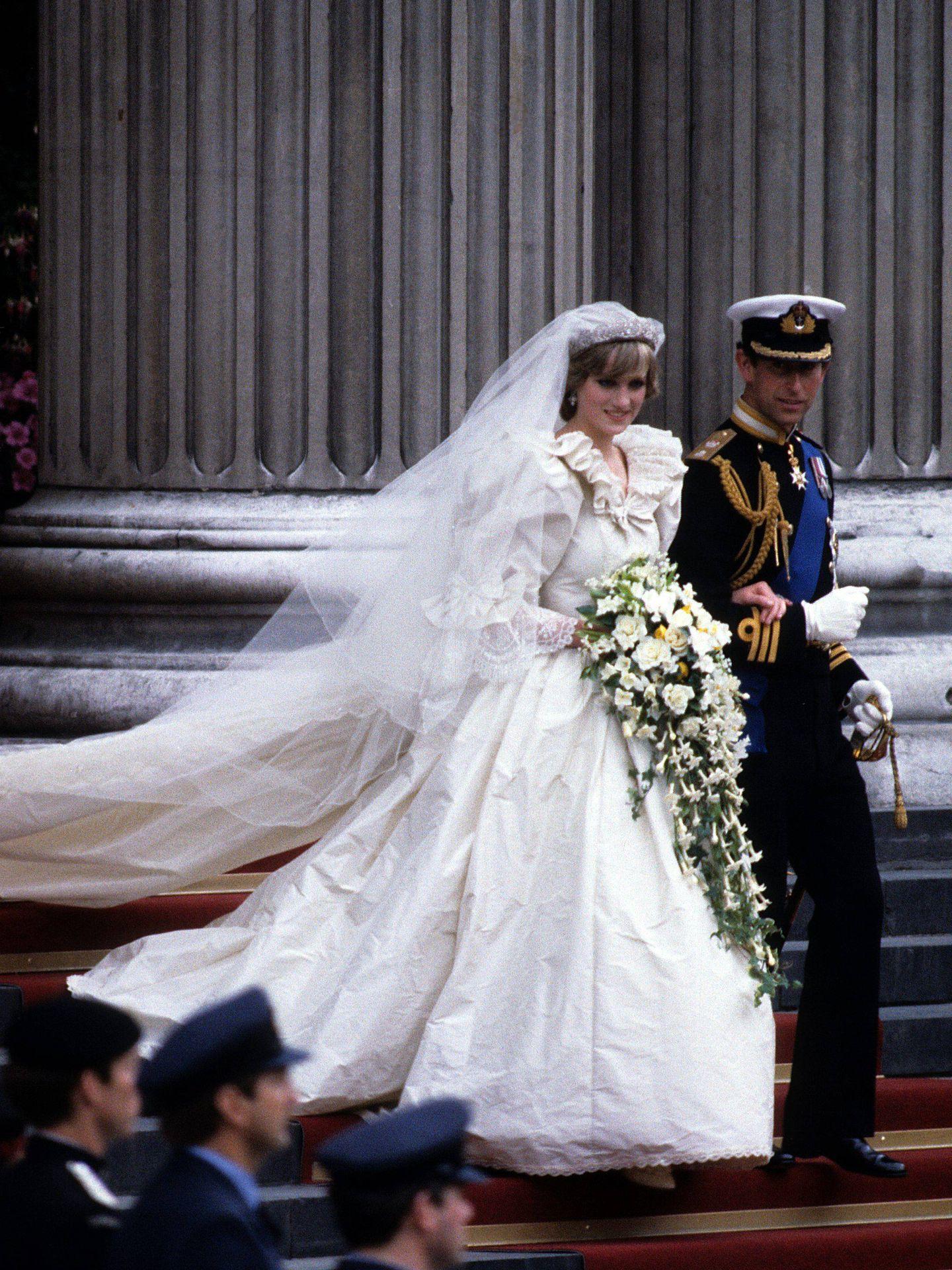 Carlos y Diana, saliendo de la catedral de San Pablo. (Cordon Press)